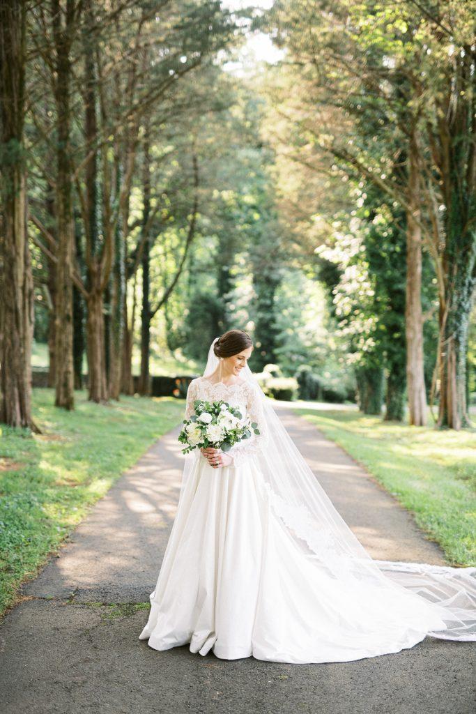 Bride in white dress holding white bouquet taken by Philadelphia Wedding Photographer Matt Genders Photography